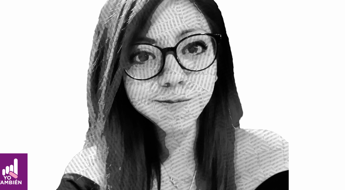 Dibujo del rostro de Ilse Rebeca donde ve al frente con una sonrisa