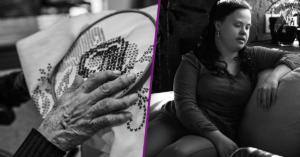 Fotografía de la mano arrugada de una mujer tejiendo y fotografía de una mujer con sindrome de down sentada en en sillon junto a una mujer