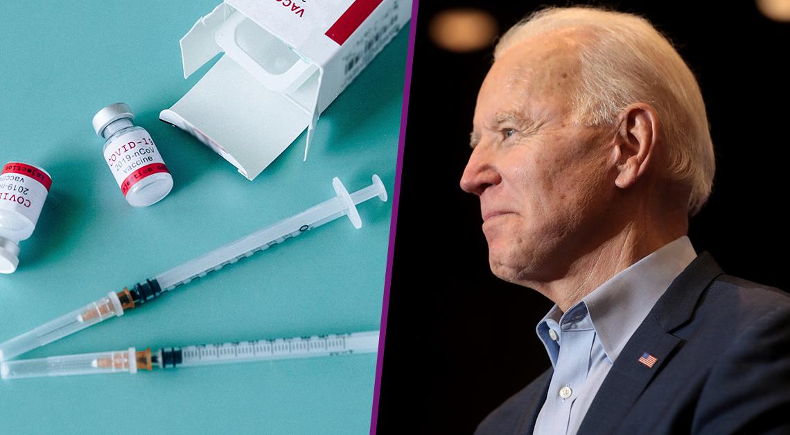 Fotografía de un par de jeringas junto a la caja de la vacuna contra el virus Covid-19, están recargadas sobre una mesa color azul. Fotografía de perfil de Joe Biden sonriendo.