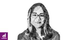 Fotografía con efecto blanco y negro del rostro de Katia D'Artigues..