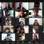 Captura de pantalla de un evento por la plataforma de videollamadas Zoom la Licenciatura en Pedagogía e Innovación Educativa de la Universidad Intercontinental en donde aparecen aproximadamente 25 personas en pantalla, doce mujeres y trece hombres.