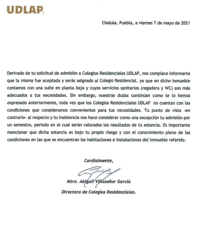 Copia de la carta en la que autoridades universitarias notifican a Luis Antonio que podrá instalarse en una residencia universitaria durante un semestre; después, analizarán su caso.