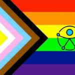 Imagen de la Bandera del Orgullo que incluye el nuevo Símbolo Internacional de Accesibilidad. La Bandera del Orgullo consta de seis colores: rojo, anaranjado, amarillo, verde, azul y morado. El Símbolo Internacional de Accesibilidad es un círculo en el que está representada una persona con líneas muy sencillas y su cabeza, en azul claro, es otro círculo pequeño.