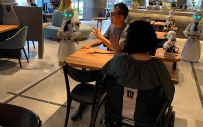 Tokio a la vanguardia: abre café atendido por robots controlados desde casa