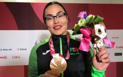 Rebeca Valenzuela lanza bala de bronce